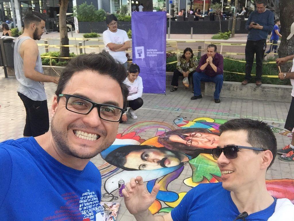Artistas callejeros #somos212 @Tirodopolus #212RMX https://t.co/XtTd9isFfe