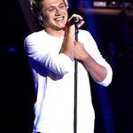 Vamos falar de coisa bonita, vamo falar de niall Horan sorrindo #BrouisIsFake https://t.co/s4letDBGL0