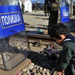 Macedonia builds fence on Greek border to control refugees https://t.co/ZqeKBHOQzJ https://t.co/j6sUDc7MOM