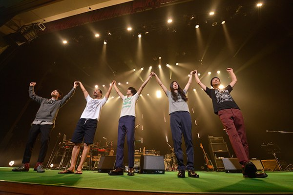 Hello!! BOYS & GIRLSツアー無事ファイナル!フジファブリック今年最後のワンマンとなりました。全5公演、お越しいただいた皆様ありがとうございました! https://t.co/Akv4GMUoaI