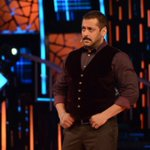 And he is back! Watch @BeingSalmanKhan grill the housemates tonight in an episode you can't miss! #BB9WithSalmanKhan https://t.co/1JWOLgrTCB