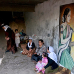 Yazidis mural on wall of holy Lalish temple is unmistakably Hindu. see Saree, Hindus women dress, Why India ignores? https://t.co/Uypl43PNiB