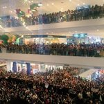Let the crowd do the talking. ????????❤️ #AngYnaMagic invades the #PSYThanksgivingDay. © kdknsolidarity https://t.co/KZhlLF05H0