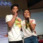 Blue hearts burst here at @FTerraces for Yna and Angelo! #PSYThanksgivingDay #AngYnaMagic https://t.co/6Dzr0UePSl