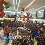 The crowd at SM Rosario @aldenrichards02 #AldenWishIMayAlbumTour #GetWellSoonAlden © https://t.co/LemVJaUDnQ