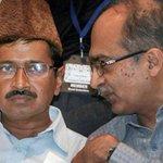 Prashant Bhushan challenges @ArvindKejriwal for public debate on #Lokpal Bill | Read: https://t.co/af0sx3TcKu | https://t.co/khdtJzqV1T