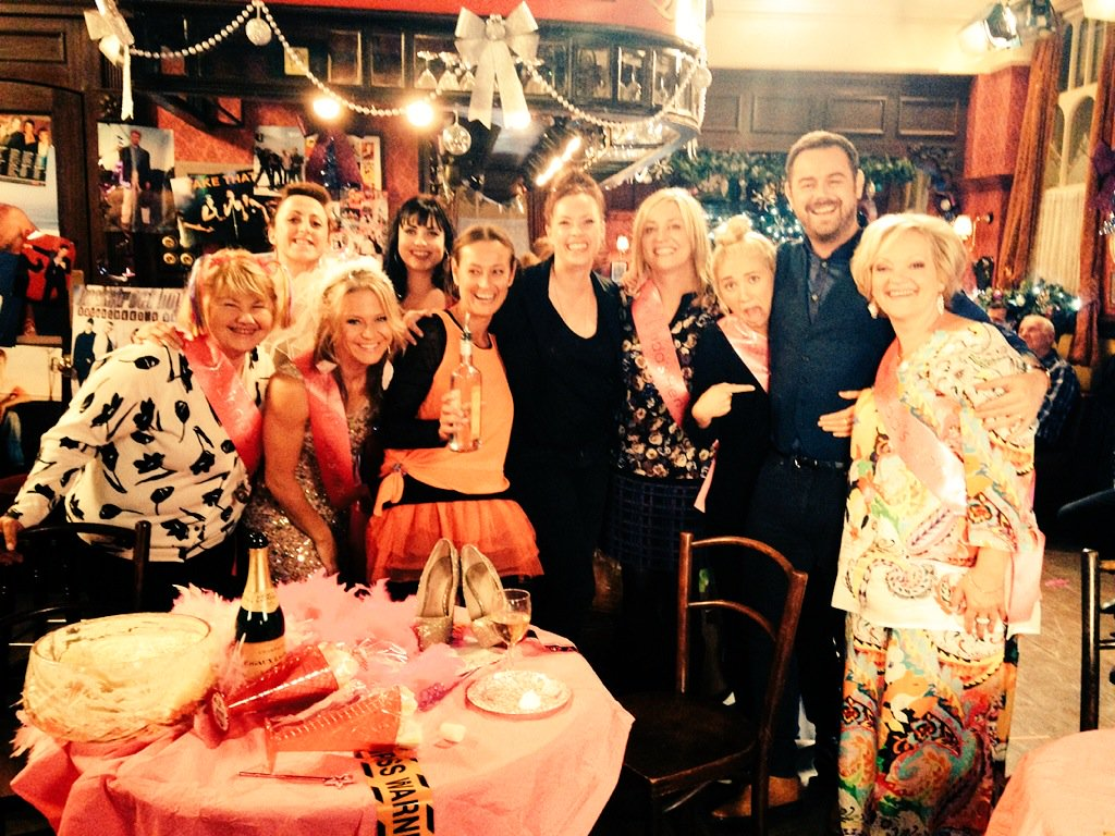 Linda's hen in @bbceastenders tonight, had a ball writing it,hope you enjoy! Features @GaryBarlow & @robbiewilliams https://t.co/CZAc6OA2Dz