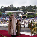 Pope rallies Kenya to the fight against poverty and exclusion https://t.co/BnoTGhmeCT https://t.co/XOCmFRn5NZ