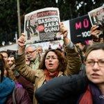 Turquie: 1 millier de manifestants à Istanbul contre lincarcération de 2 journalistes https://t.co/mArRbRyi0h #AFP https://t.co/IJGOyvrW1T
