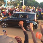 Pope rides in a KIA Soul as he leaves Entebbe Airport Photo/@MalcolmWebb #PopeInUganda https://t.co/ySfR5g77GZ