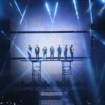 防弾少年団が27日、ソウルで単独コンサート「BTS LIVE - 花様年華on stage」を開催し成熟した音楽と舞台で4000人のファンを熱狂させた。 https://t.co/InrbR1Cth1