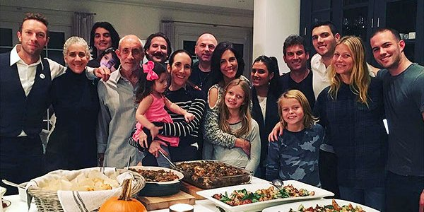Gwyneth Paltrow and Chris Martin put their family first this Thanksgiving ❤️
