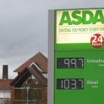 #BlackFriday sees Asda cut cost of unleaded to less than £1 a litre https://t.co/YB7gUSXF1M https://t.co/nRQLtXr8rz