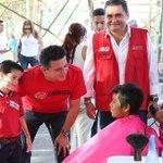 Mi amigo y Secretario de @SEDUVIQROO el Lic #MauricioRodriguez , @mau_rdz1 , un Político sencillo con experiencia!. https://t.co/DiW2ujWiYD