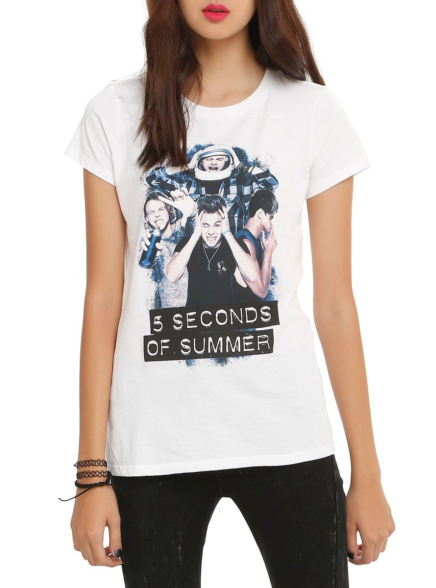 Hey @5SOS fans! Don't miss $10 #5SOS tees - today only, in stores and online: https://t.co/hXEn4MtEml #BlackFriday https://t.co/GGM2KiJp6B