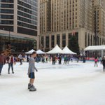 A rare sight: ice skaters in shorts in late November! #lightupthesquare #fountainsquare #cincinnati @WCPO https://t.co/FsuK58OkFs