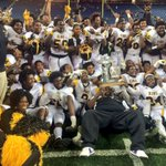 Your Division 2 state champs, Detroit King, with a 40-38 last second Hail Mary over Lowell. https://t.co/71tFQWjpdU