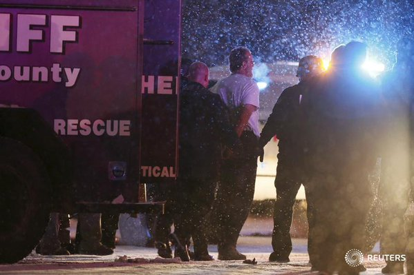 Suspected Christian terrorist arrested after shooting police, taking hostages at Colorado women's health clinic https://t.co/Bbzl8IYaJn
