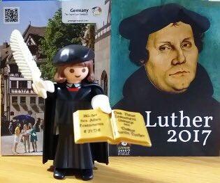 宗教改革500周年を記念して作られた限定のマルティン・ルター、プレイモービル(ドイツ製フィギュア)です。エインカレムにて2500円➕税にて販売中です! https://t.co/NeUZdXXQDr