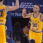 Les Golden State Warriors signent une 17e victoire de rang grâce aux 41 points de Stephen… https://t.co/JsNjtPwGdb https://t.co/4FoNQMxlTL