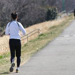 【これはスゴい】ワイナイナ選手が散歩番組で279kmを激走 https://t.co/NN1fp8vrRT 出だしは番組の趣旨通り歩いていたが、やがて走りだすと、1日目にして東京・荒川河川敷から宇都宮(約100km)に到着した。 https://t.co/qUn3KtrS1C