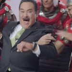 "#Video Regresa el ""avísenme"" en comercial de galletas https://t.co/LSeKkzH5PH https://t.co/WVxGotqqsN"