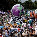 #COP21Marches pour le climat dans le monde https://t.co/YRFTMC7X1P #AFP https://t.co/HKba0CQuFJ