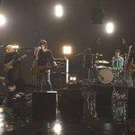 100RT:【見逃せない】紅白控えたバンプ、 「天体観測」をテレビ初披露! https://t.co/3tfTNktoUu 「天体観測」「花の名」「ray」など代表曲をフルコーラスで生演奏する。「SONGS」(NHK総合)は12… https://t.co/18SKMIQVOQ