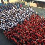 Impressionnante #image : les élèves de #Guyane rendent hommage aux victimes #attentatparis https://t.co/jl8btkj7fk https://t.co/fSlOPODcGC