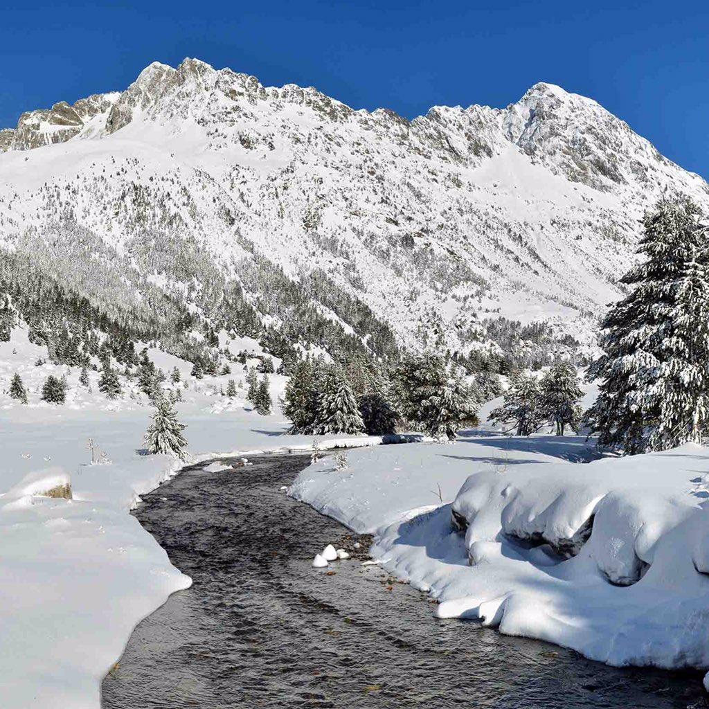 El valle de Benasque ya de invierno . Foto JM https://t.co/041HVtV0zT