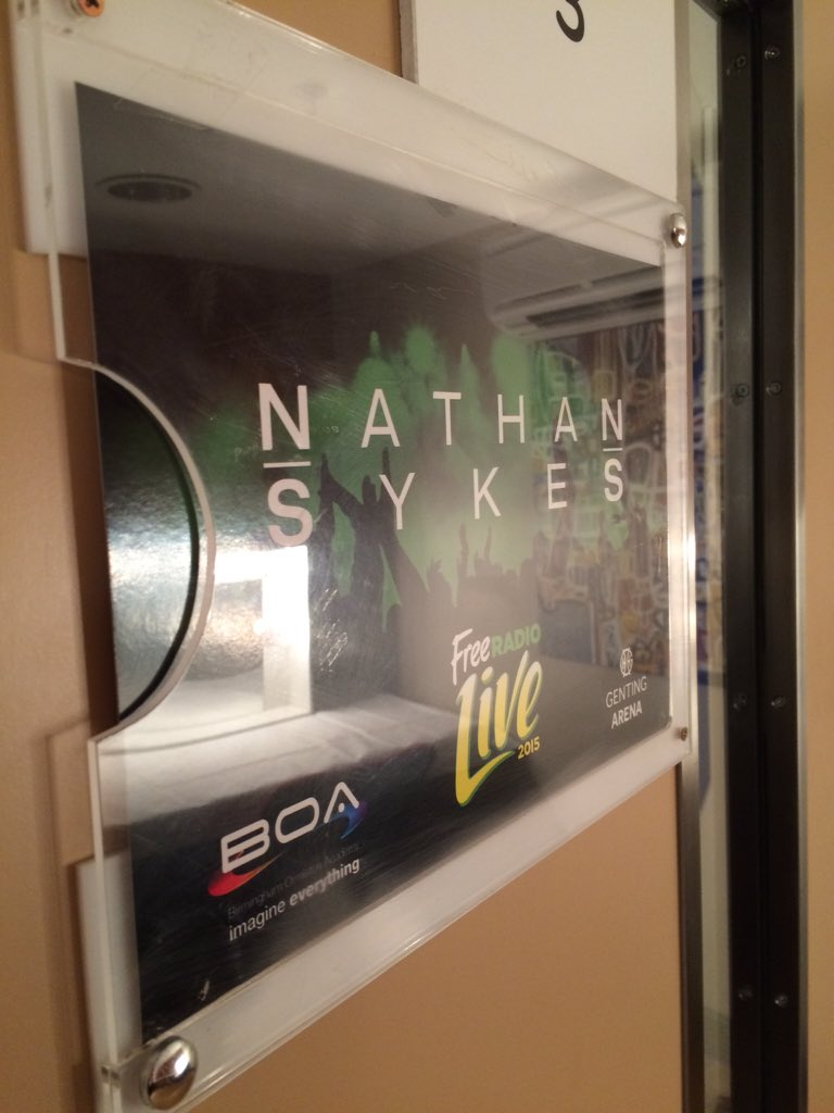 Dressing room is ready for @NathanSykes! Lot of lemons in there! #FreeRadioLive https://t.co/AfyzDyPvjy