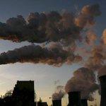 « Les pollueurs du monde doivent payer ». Chronique de Thomas Piketty @PikettyLeMonde https://t.co/qS8ONsPDO6 #COP21 https://t.co/uoIsJ64izR