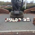 #SAFC supporters have raised money for a floral tribute to Marton Fulop which has been laid at the memorial statue. https://t.co/1f3AGufcaa