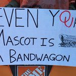 Best signs from ESPNs College GameDay from Week 13 in Oklahoma https://t.co/utdHhF1uyA https://t.co/MWp61H2Ztq