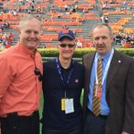 Great to have @tim_cook & @GregSankey with us today. Two influential leaders! #WarEagle https://t.co/vuRKMkxrO0