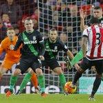FULL-TIME Sunderland 2-0 Stoke. Goals from Watmore and van Aanholt lift Sunderland out of the bottom three #SUNSTK https://t.co/g2DIxk4ywF