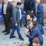 """Tahir Elçinin eşi Türkan Elçi morgun önünde """"katil PKK""""diye hayırkırdı. Kartelin köpekleri tek satır haber yapmadı. https://t.co/uppHGDuaXa"""