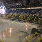 Flaggtifo i Kinnarps Arena. #HV71 https://t.co/CC2YK0E7HW