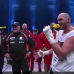 Watch Tyson Fury sing Aerosmith to his wife after winning the world heavyweight title https://t.co/o1DPq2Plnd https://t.co/jJ1tzUyiHz