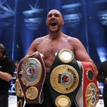 Listen as new world champion #tysonfury sings Aerosmiths I dont want to miss a thing. https://t.co/FKld1lrKxd https://t.co/u4KO8V7DCU