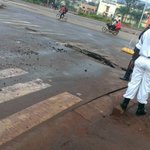 #PopeFrancis passed on this Newly constructed Ugandan road. It has already developed cracks #PopeInUganda https://t.co/7sQASM7H5n