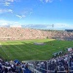 #OlimpiaLIVE El Estadio teñido de Gloria, de blanco y negro #VamosOLIMPIA #JuntosPorUnPasoMas ⚪️⚫️⚪️ https://t.co/LCSEeASato