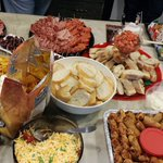 Blogger potluck is the real deal. The @comotiononking counter can barely contain it all! #HamOnt https://t.co/qElLkqxJUb