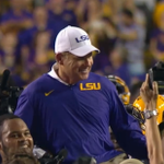 Les Miles being carried off the field by his players! https://t.co/lxqDpdMKy5