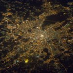 Москва)) Я люблю Россию) Наверное, Звёздний Городок здесь? (На втором фото) 撮りたてのモスクワです。写真の上が北で、星の街はモスクワの北東です。大西さーん! https://t.co/FUPqQ2egYG