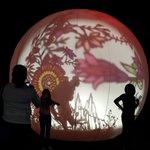 Esferas de luces en los #AlumbradosEPM, tradición silletera, flores, alegría. https://t.co/lbnduk8hxp