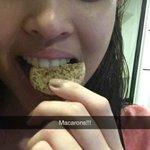 Macarons pa more, Menggay? Masharap? ???? Ingat ka today, Meng! Love you so much! :) @mainedcm ???? #SPSLaughWins https://t.co/aA518N8qFz