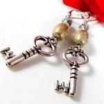 Dangling Gold Beaded Earrings with Silver by EnchantedRoseShop https://t.co/nvp4pWklMC #pottiteam #EtsyGifts https://t.co/4HnVMmgYZn