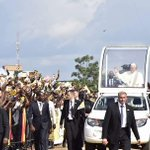 #PopeInUganda Wish @Pontifex a safe journey to Central Africa Republic. Bye bye Pope of Love, Pope of Compassion https://t.co/y2zSlgJncG