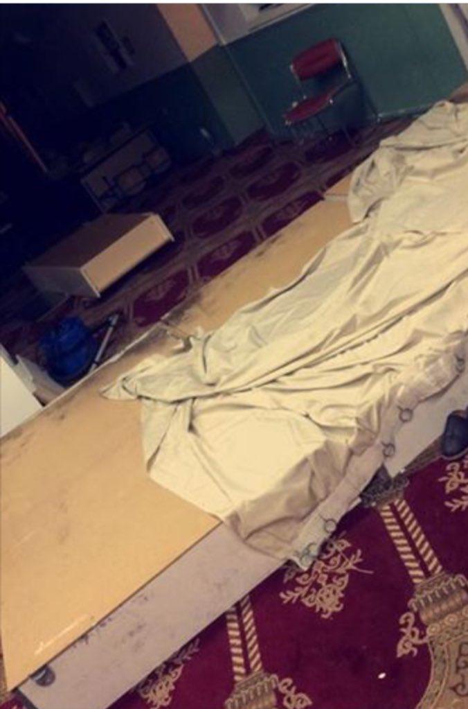 Pour ceux qui doutent, j'ai eu confirmation. #Mosquee à #Aubervilliers a bien été saccagée lors d'une perquisition https://t.co/HCmZwu4Zie